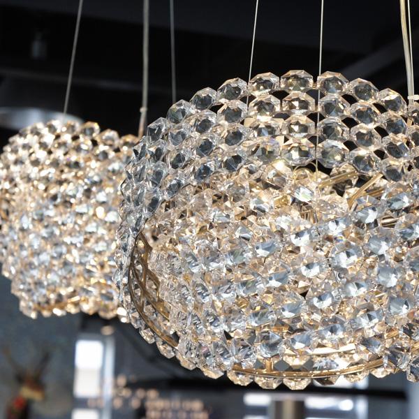 クリスタルガラスの輝きは何から生まれるのか