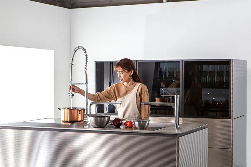 トーヨーキッチンスタイル 新商品 リビングコア ゼロ動線キッチン